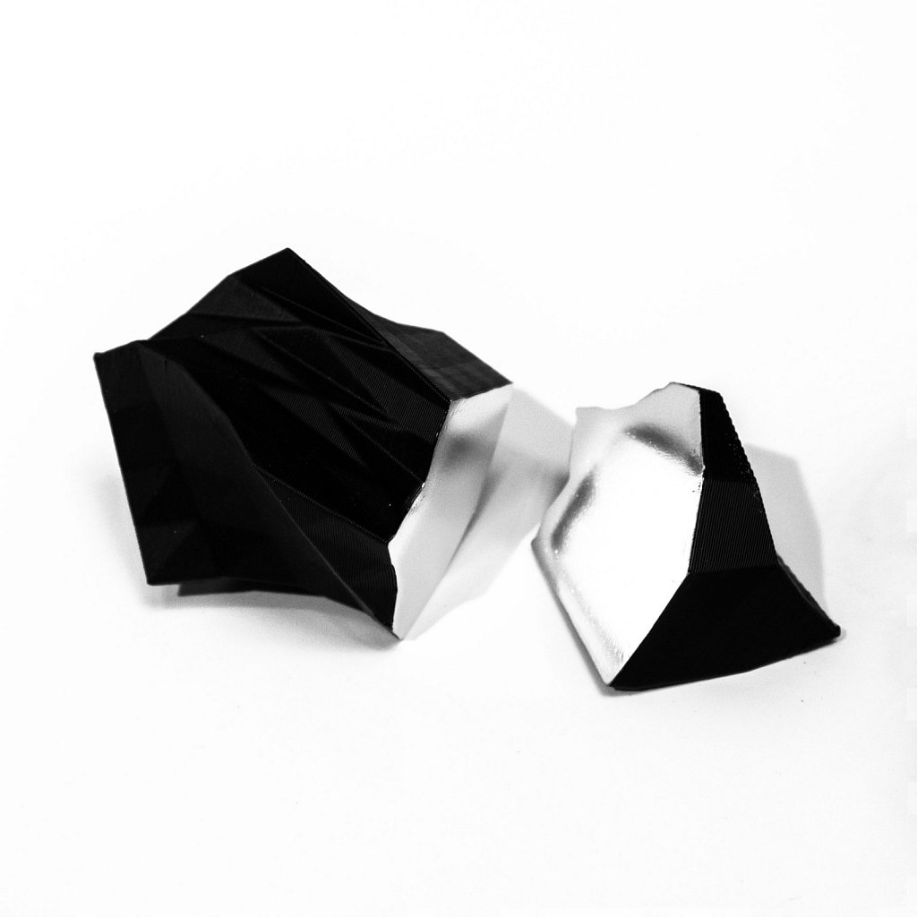 objects . 21031702100 (clippings) . florian lechner . 2021